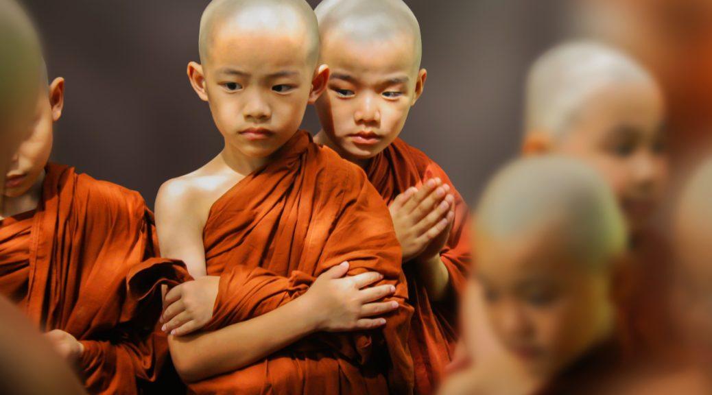 少年僧侶たち